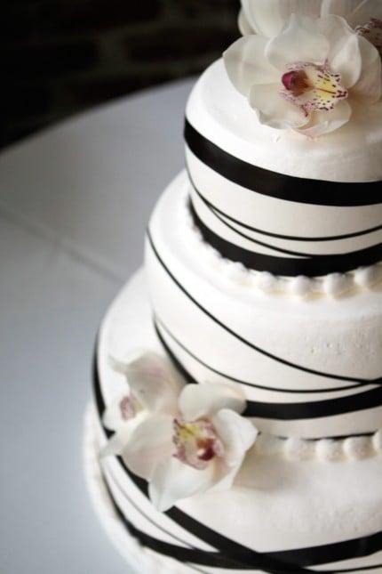 black ribbon wedding cake