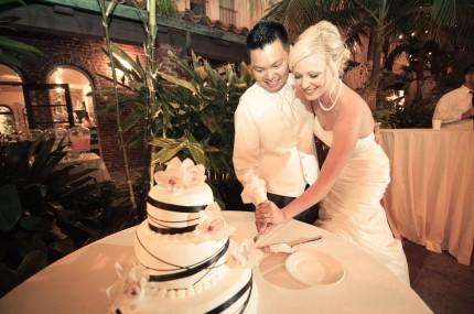 villa del sol fullerton wedding cake