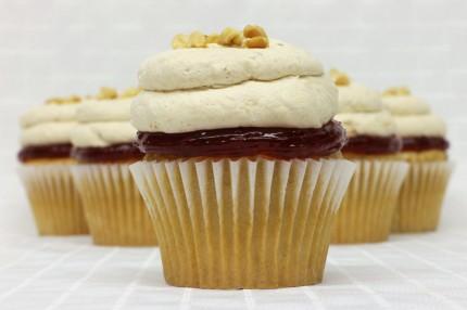 Dos PB & J Cupcake